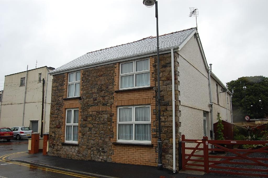 2 Hall Street, Ammanford, Carmarthenshire